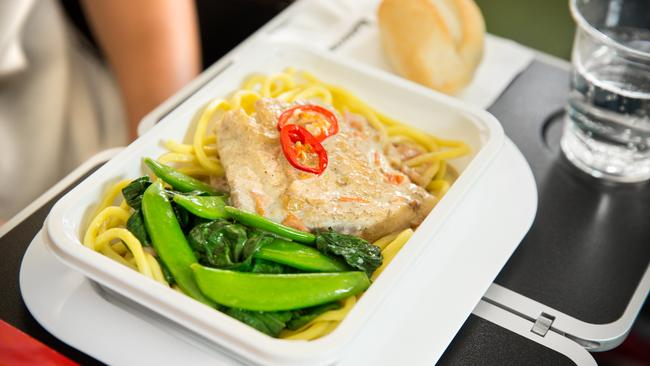 Best Food To Eat On A Plane And What To Avoid
