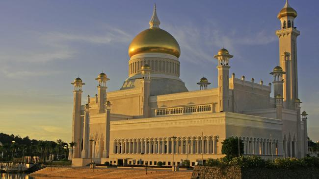 Experts say tourists will now stay away from Brunei.