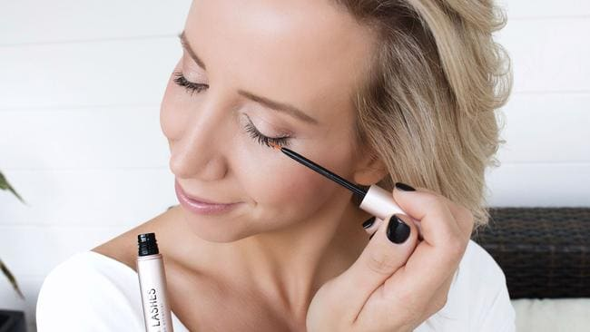 Long Lashes is hormone-free and doesn't obtain any prostaglandins which have been linked to side effects including change in iris colour and inflammation around the eyes.