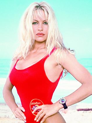 The look was clearly inspired by Pamela Anderson.