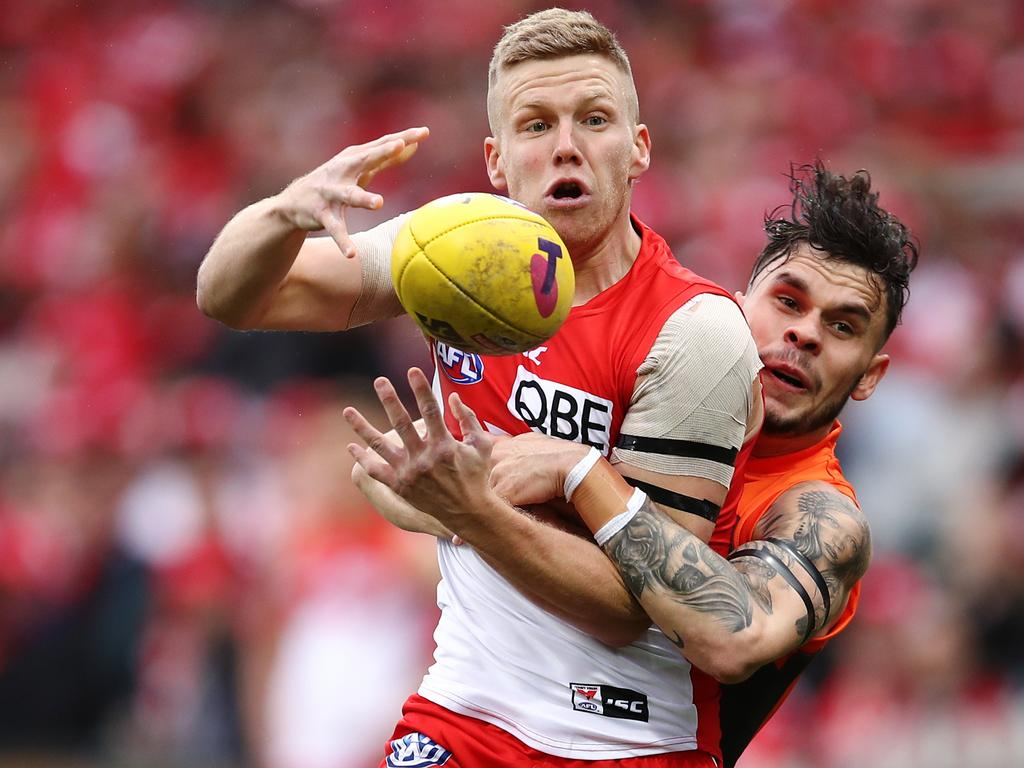 Zac Williams tackles Daniel Hannebery during the finals last year.