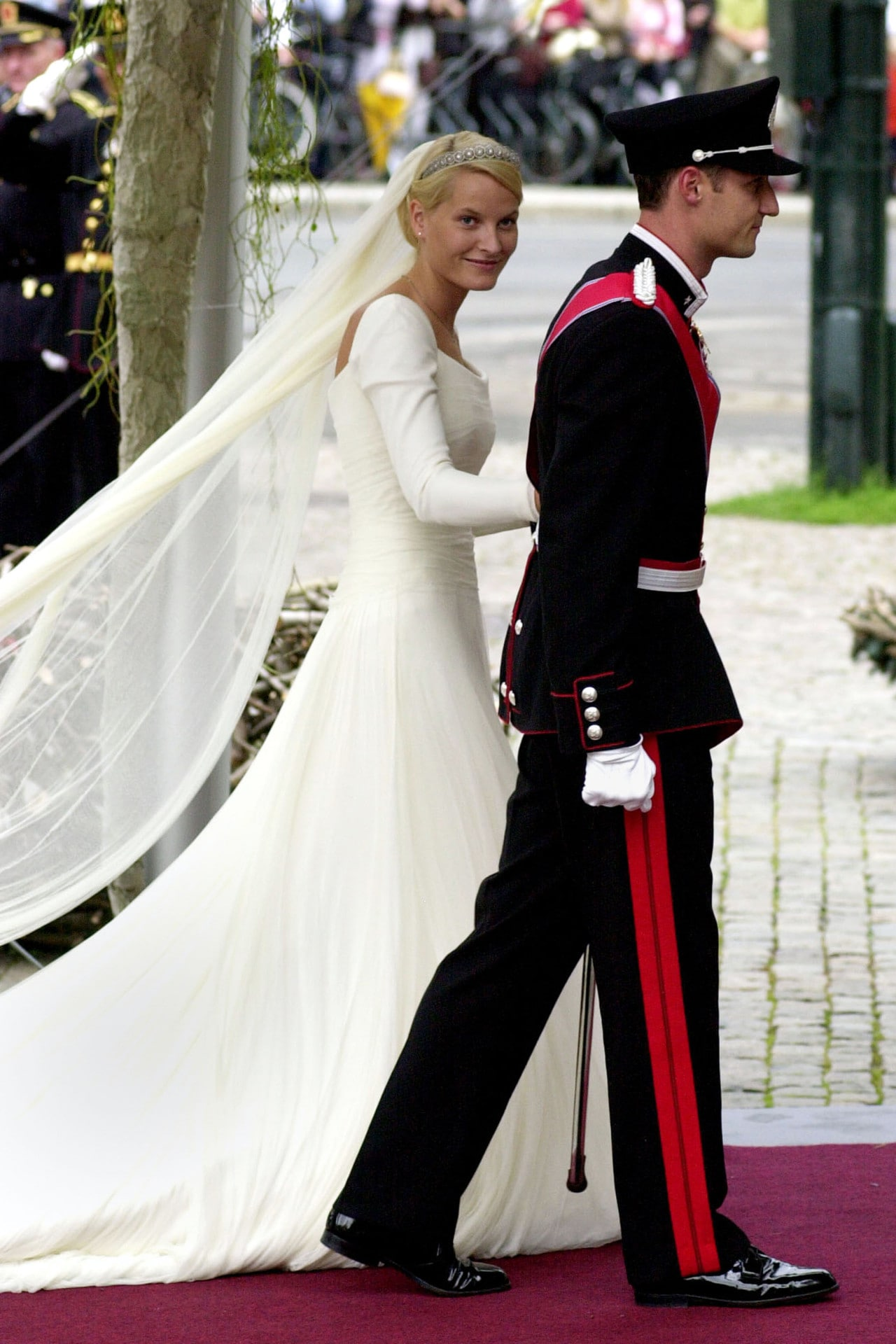 Inside Crown Prince Haakon of Norway and Mette-Marit Tjessem Høiby's 2001 wedding