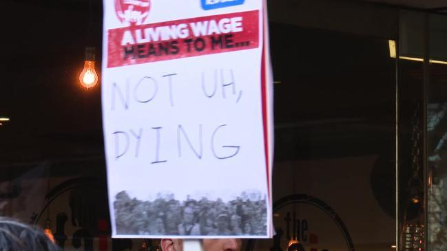 Wage rise leaves workers in poverty: unions