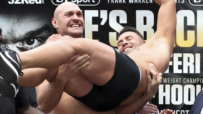 Tyson Fury picks up Sefer Seferi,