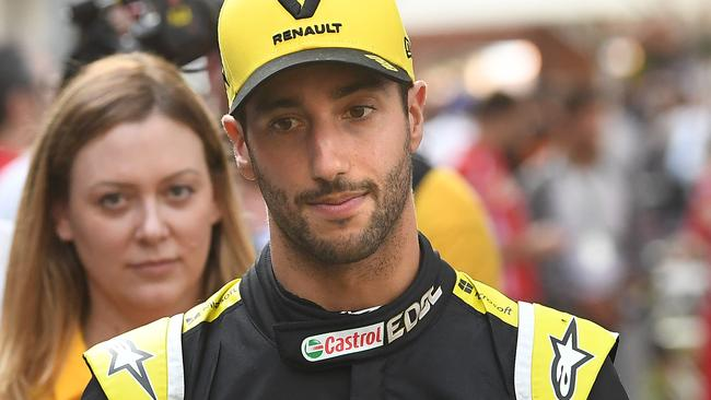 Daniel Ricciardo is auctioning the race suit he wore during last year's Australian Grand Prix.
