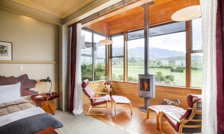 <p> BLAIR AND SEAN - Hapuku Lodge, NZ </p>  <p> Best for: hitting it and quitting it. I mean, if anyone needs to commandeer that catch phrase from Tracey it's Blair. </p>  <p> Romance factor: 10/10 between the sheets, 1/10 in daylight hours. </p>