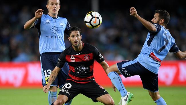 Michael Zulloof Sydney competes for possession with Alvaro Cejudo of the Wanderers during the round 3 A-League match between Sydney FC and the Western Sydney Wanderers at Allianz Stadium in Sydney, Saturday, October 21, 2017. (AAP Image/Dan Himbrechts) NO ARCHIVING, EDITORIAL USE ONLY