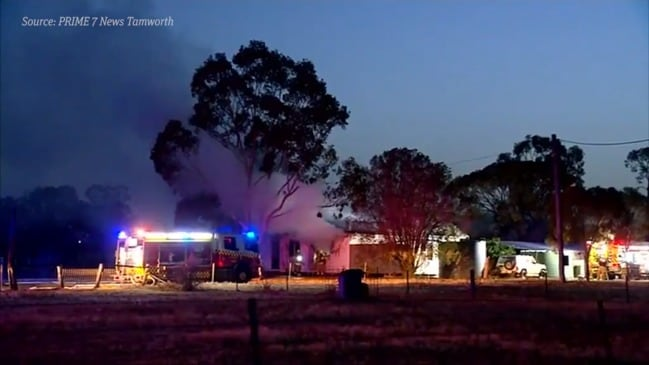 Two people killed in Tamworth fire (PRIME 7 News)