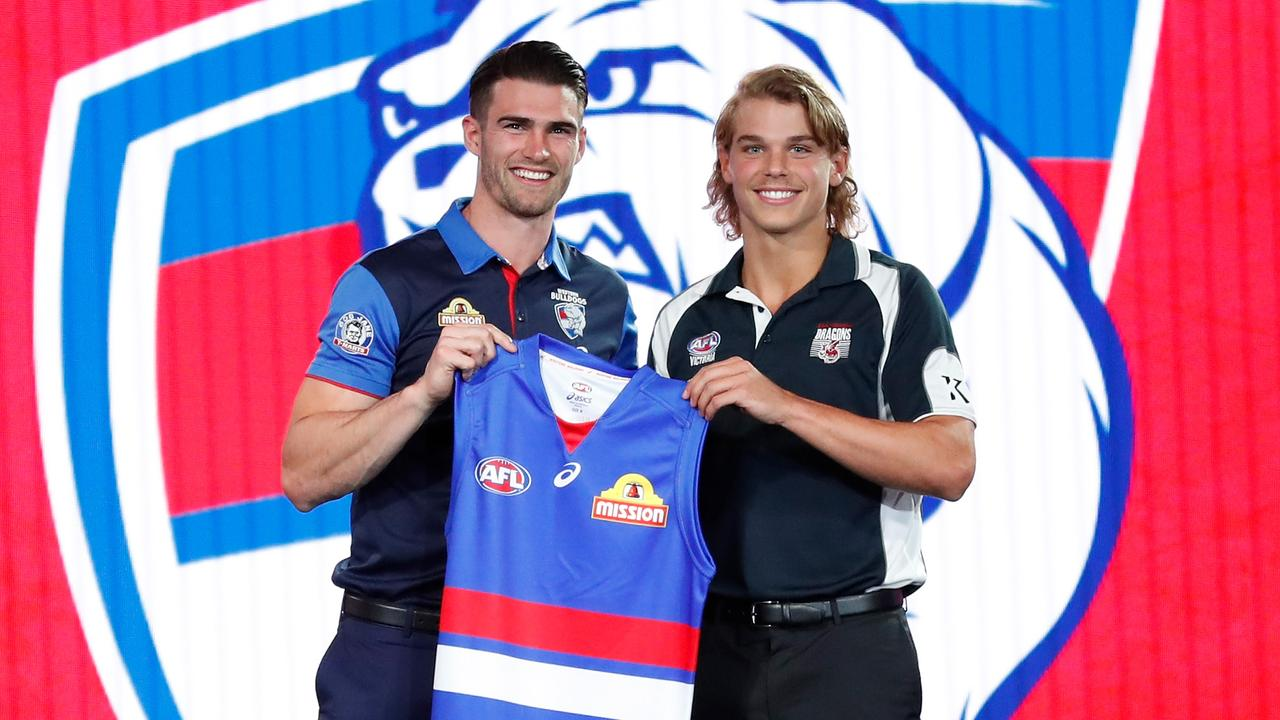 Western Bulldogs' number 7 pick Bailey Smith poses for a photo with Easton Wood.