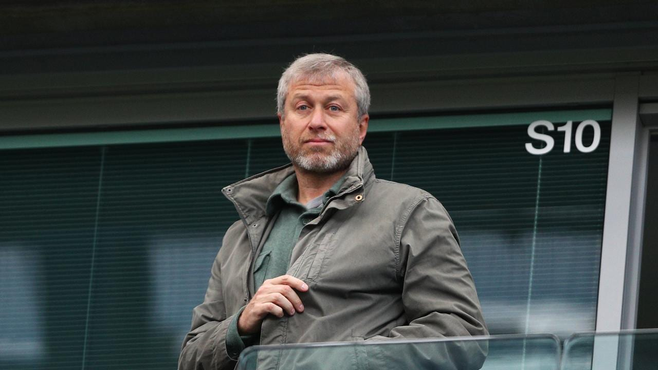 Chelsea owner Roman Abramovich wants to send racist fans on educational trips to Auschwitz.