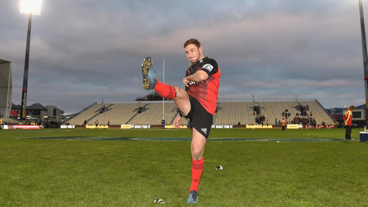 Mitch Hunt of the Crusaders recreates his famous drop goal against the Highlanders.