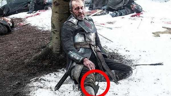 A power cable can be seen ahead of Stannis' death