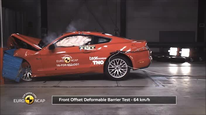 Ford Mustang crash test