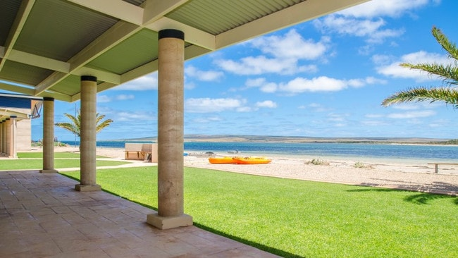 33 Baird Bay Rd, Baird Bay offers one of the best ocean views in the country.