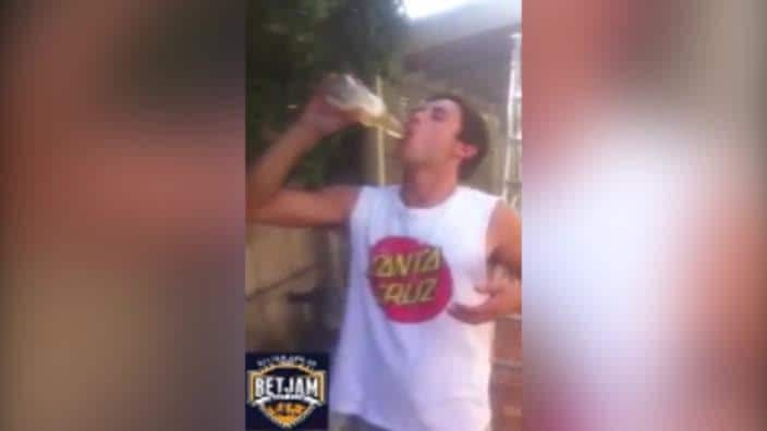 Man swallows goldfish in Neknominate skoll