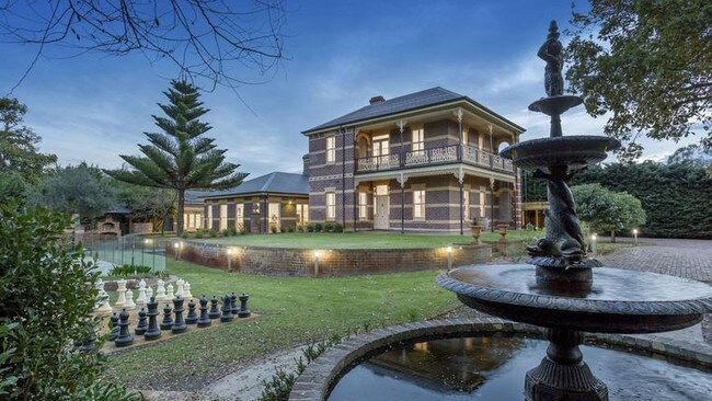 741-743 Point Nepean Rd, Rosebud offers a rich history.
