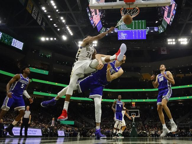 Giannis getting freaky. (AP Photo/Morry Gash)