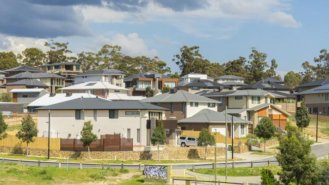 Melbourne housing market worse than Sydney's: House prices