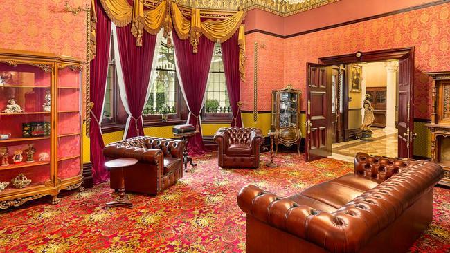 Plush drapes, a striking decor and regal furniture.
