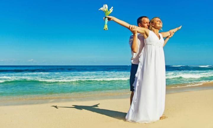 Are destination weddings likely to end in divorce?