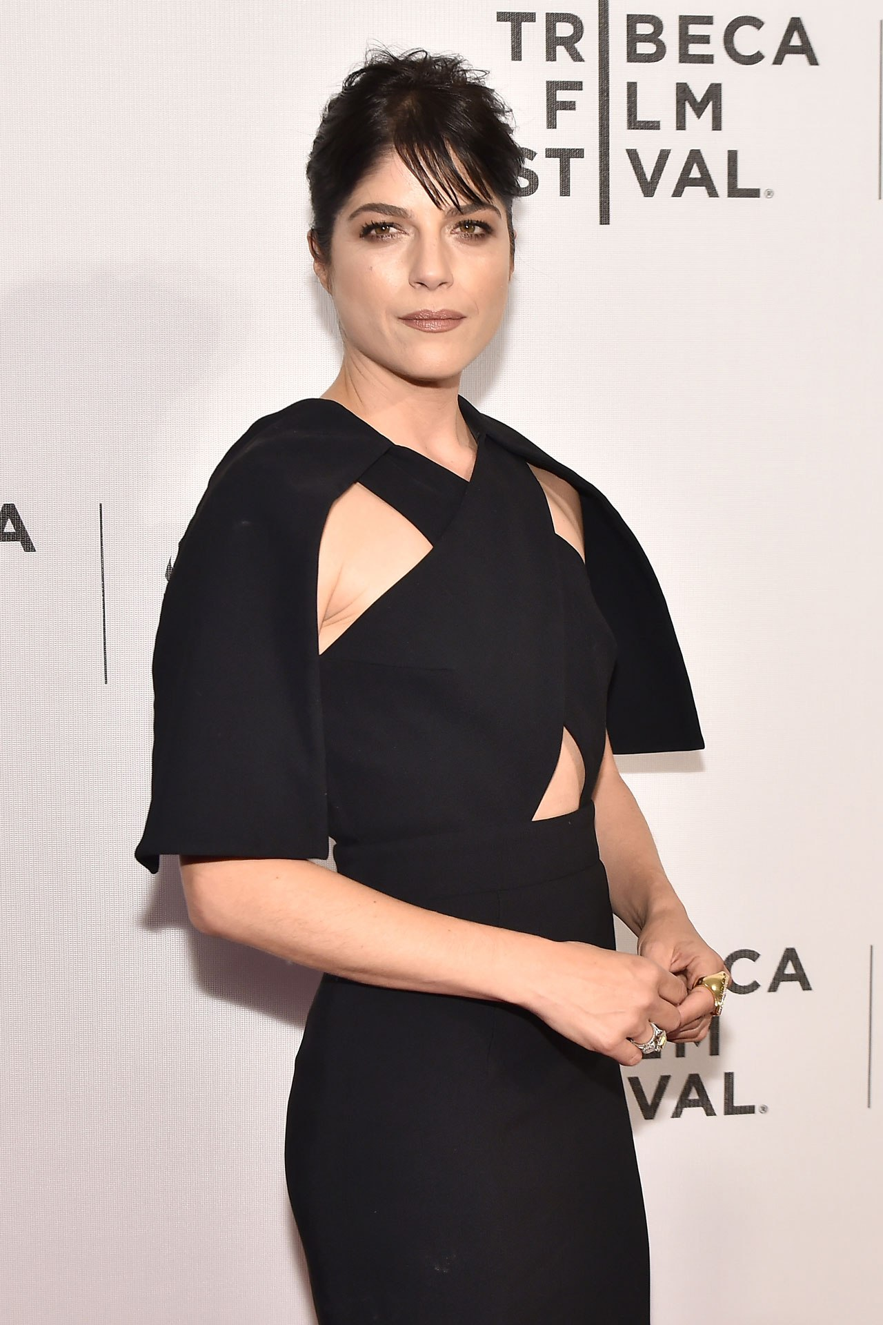 "Selma Blair reveals she has multiple sclerosis: ""I have MS and I am ok"""