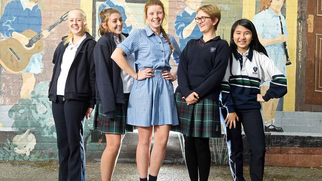 Most public school parents say girls should not have to wear skirts