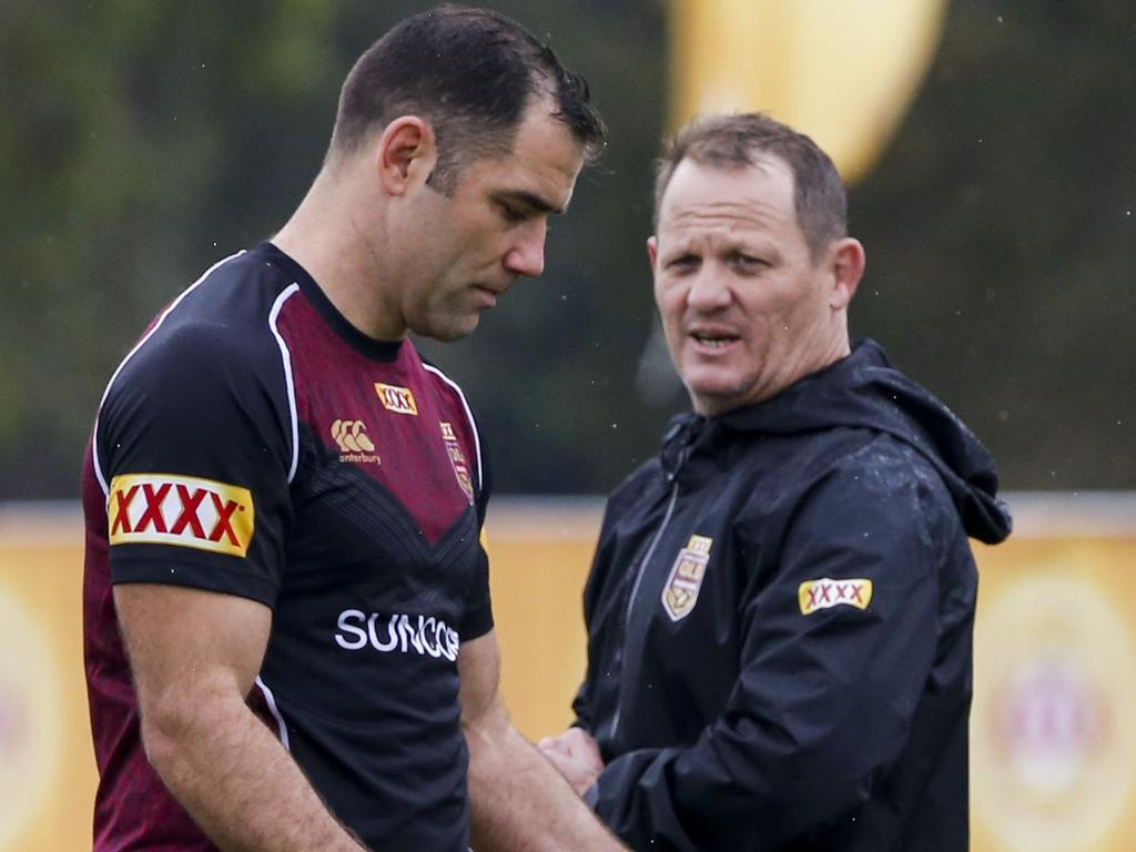Maroons captain Cameron Smith (left) and coach Kevin Walters during the Queensland State of Origin team training session at Sanctuary Cove on the Gold Coast, Friday, July 7, 2017. (AAP Image/Glenn Hunt) NO ARCHIVING