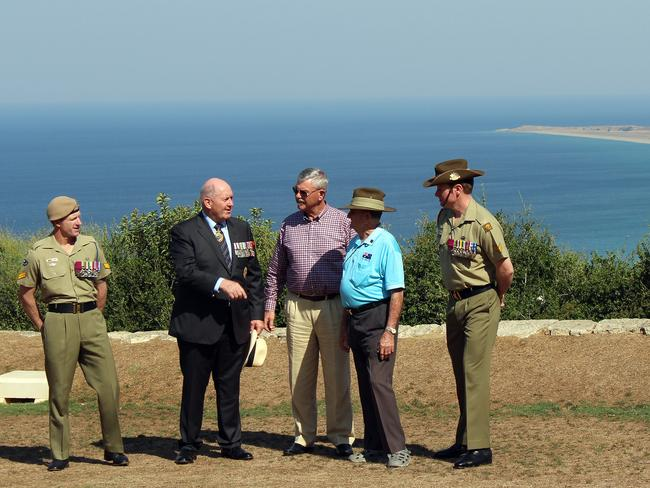 Pretty point ... (L-R) Victoria Cross (VC) recipient Corporal Mark Donaldson, Australian Governor-General Sir Peter Cosgrove, Doug Baird, the father of VC winner Corporal Cameron Baird, and VC recipients Keith Payne and Corporal Daniel Keighran at a ceremony for the 100th anniversary of the Battle of Lone Pine at Anzac Cove on the Gallipoli Peninsula, Turkey. Picture: AAP
