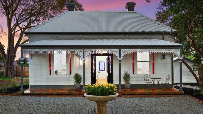 129 Mount Pleasant Rd, Nunawading has been beautifully restored.