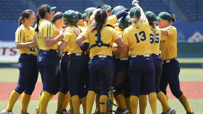 Aussie Spirit softball team celebrate their victory over Mexico. Pic: World Baseball Softball Confederation