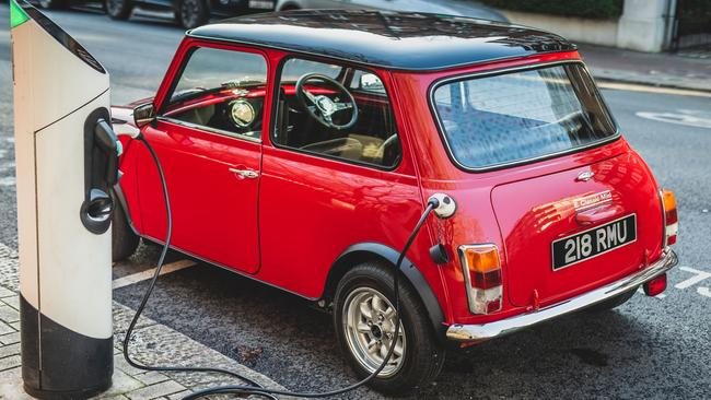 Swind E Classic Mini has up to 200km of range.