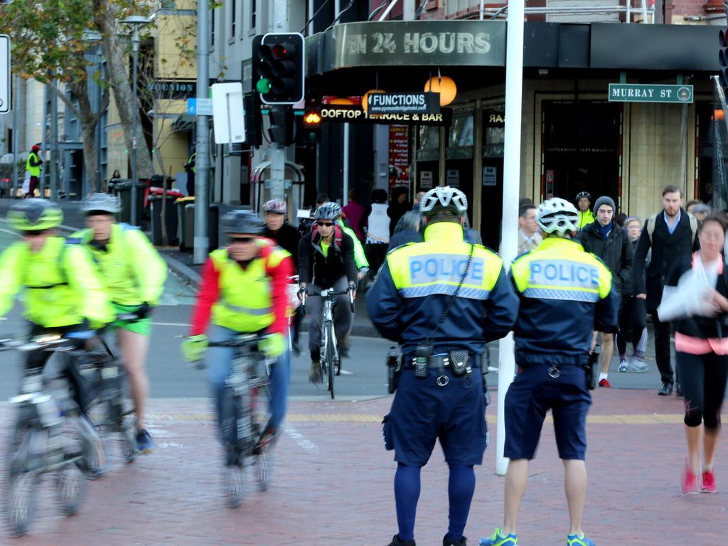 Cyclists call for NSW police to enforce safe passing ...
