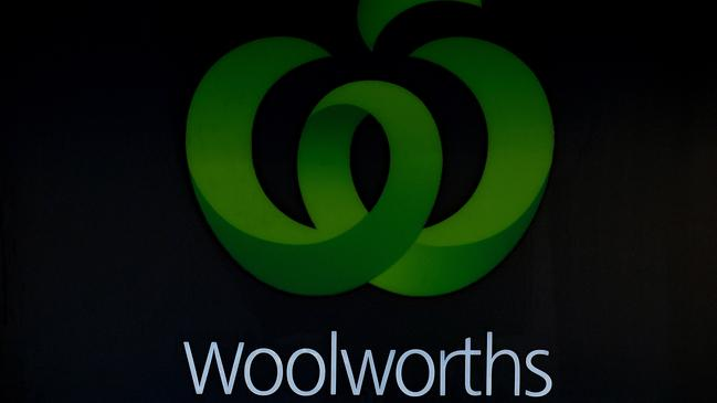 Woolworths push to have staff work on Christmas Day