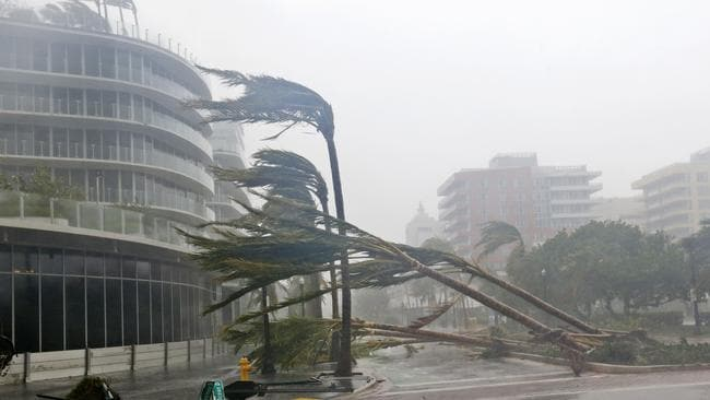 Hurricane Irma Damage Deaths As Tampa Miami Florida Hit By Storm