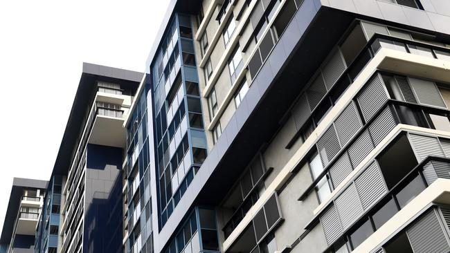 One-in-10 properties in some parts of Sydney are empty with investors unwilling to lease them out. Picture: AAP Image/Paul Miller.