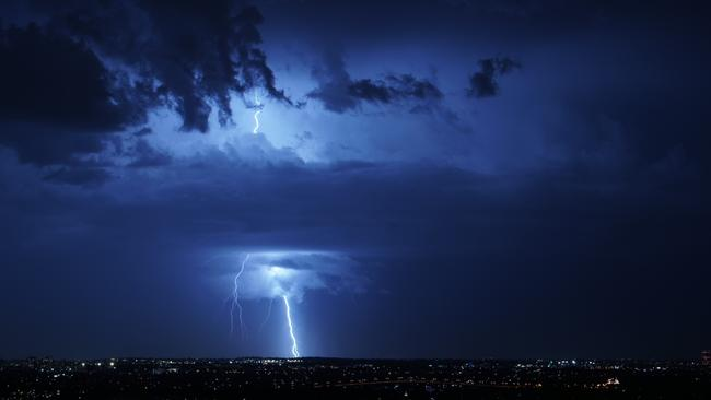 Thousands of lightning bolts cracked across the sky. Picture: Twitter/@yikesdami/Damilare Polley