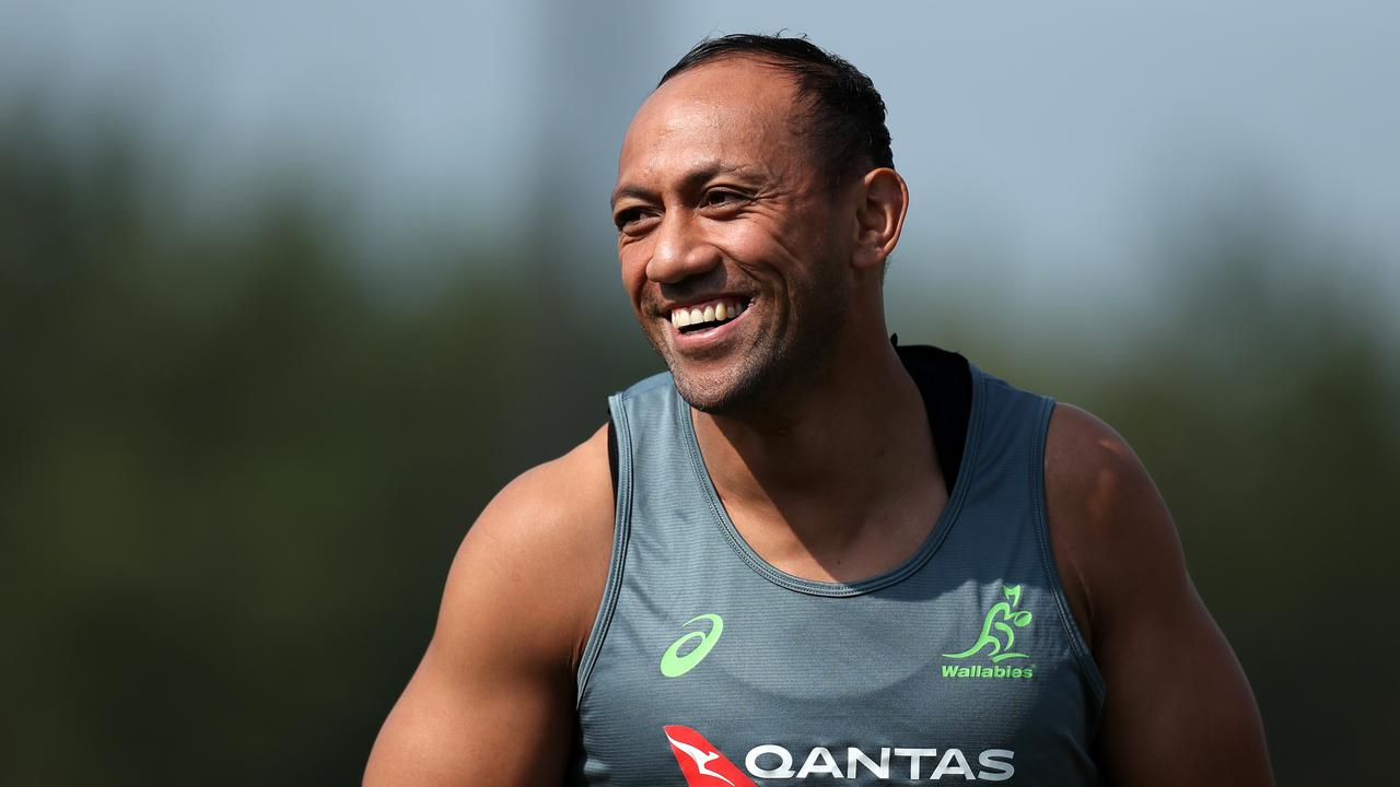 Christian Lealiifano returns to the Wallabies' fly half role for Saturday's RWC clash with Uruguay.