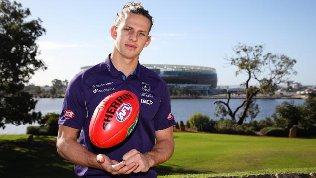 Fremantle captain Nat Fyfe has signed a six-year contract extension. (AAP Image/Richard Wainwright)
