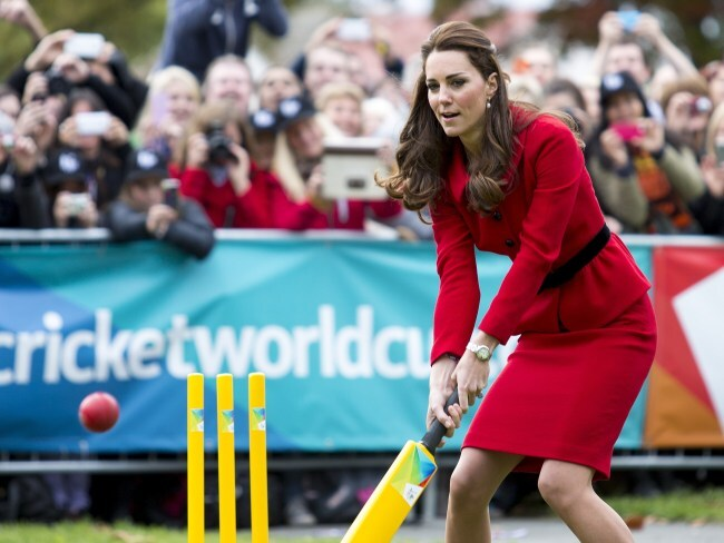 It's so easy to hit a six wearing a pencil skirt, right? RIGHT? Photo: Ian Jones-Pool/Getty Images