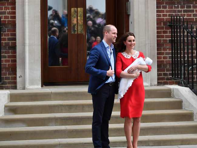 The Duke and Duches of Cambridge introduce their newborn second son to the world. Photo: AFP / Ben Stansall