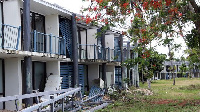 Dunk Island Restraunt: Dunk Island Resort Rebuild Starts After Destruction Of