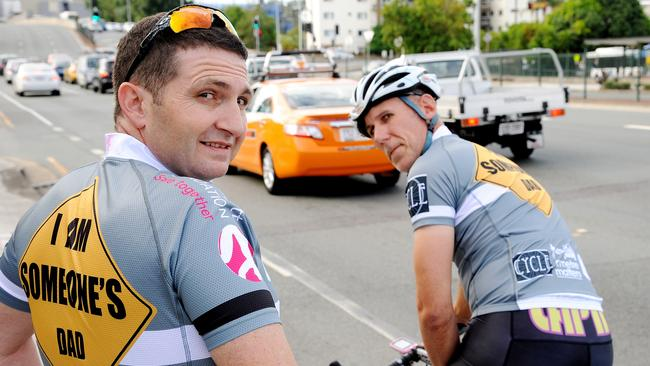 Dave Guyatt (left) and Steve Mitchell in their new 'I Am Someone's Dad' cycling jerseys. Picture: Peter Cronin