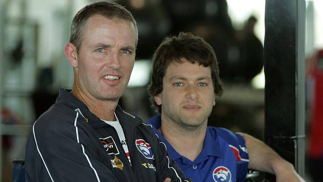Simon Dalrymple (L) has left the Dogs for the Swans.