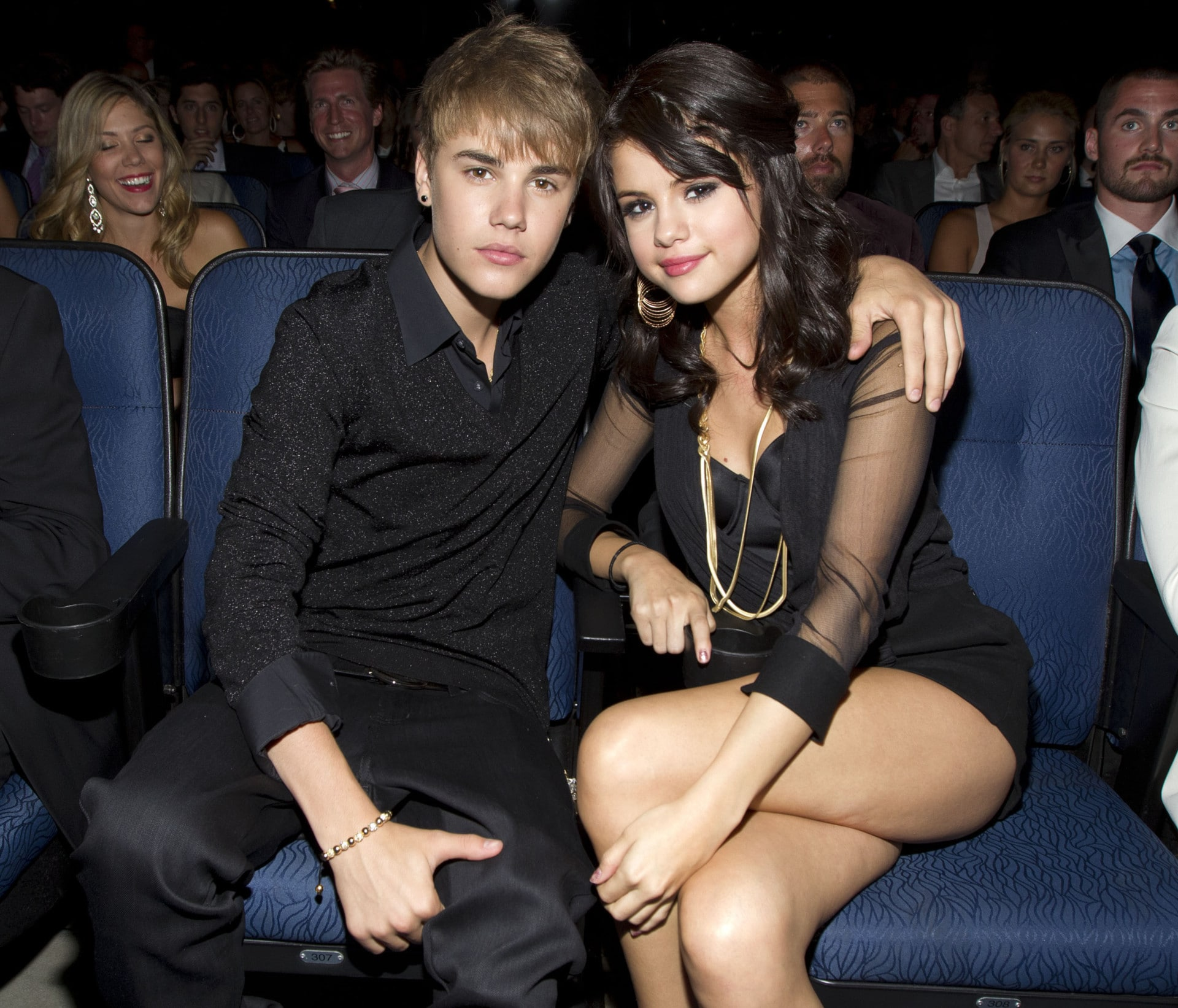 justin bieber who is he dating right now