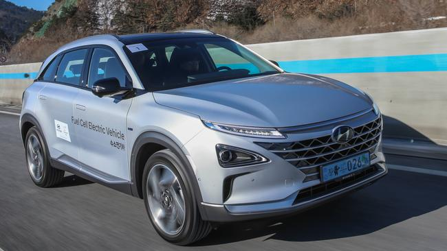 Hyundai Nexo: Three hydrogen tanks give a theoretical range of 600km..
