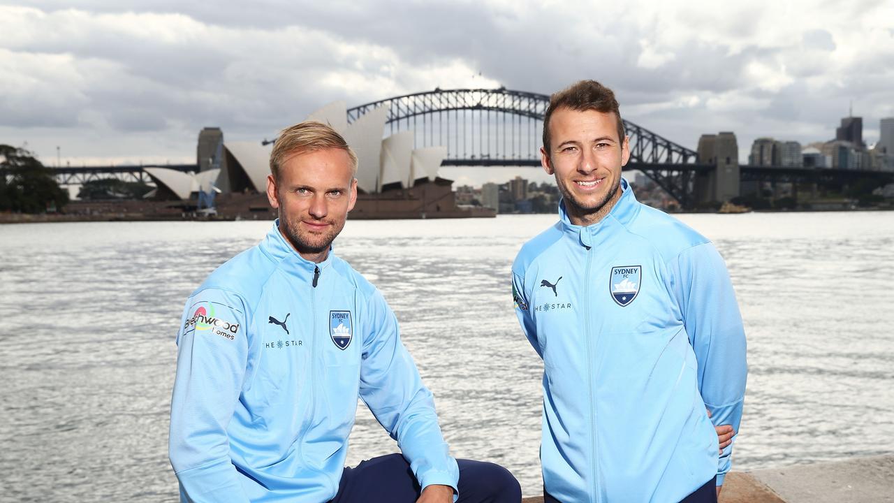 Siem de Jong and Adam Le Fondre will make up Sydney FC's strike force this season.