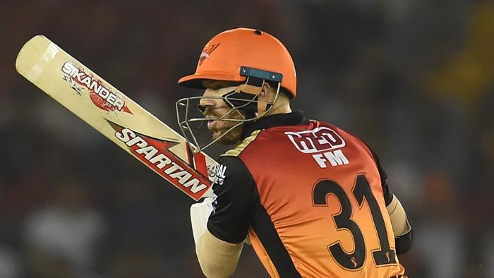 Sunrisers Hyderabad batsman David Warner plays a shot during the 2019 Indian Premier League (IPL) Twenty20 cricket match between Kings XI Punjab and Sunrisers Hyderabad at the Punjab Cricket Association Stadium in Mohali on April 8, 2019. (Photo by Money SHARMA / AFP) / ----IMAGE RESTRICTED TO EDITORIAL USE - STRICTLY NO COMMERCIAL USE----- / GETTYOUT