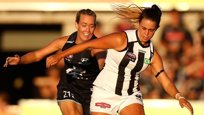 Collingwood and Carlton kicked off the AFLW season.