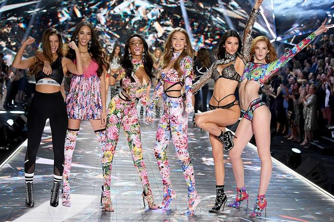 From 125,000 crystals to a $1 million Fantasy Bra: the 2018 Victoria's Secret Fashion Show by the numbers
