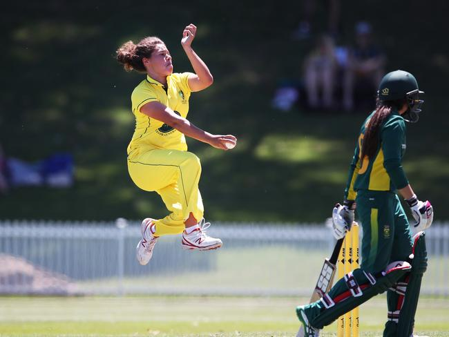 Belinda Vakarewa in action during Australian women's Governor General's XI v South Africa.